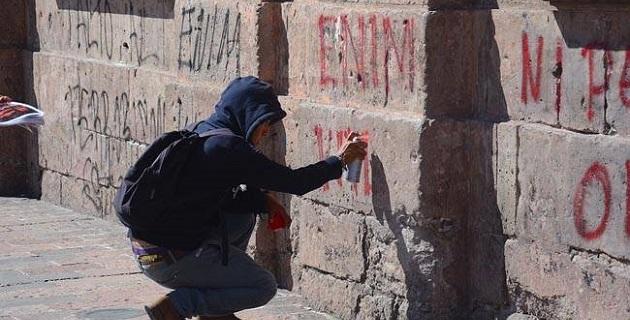 El gobierno municipal presentó cuatro denuncias penales ante el Ministerio Público del fuero común contra quien resulte responsable por los daños de pintas en los edificios históricos del primer cuadro de la ciudad