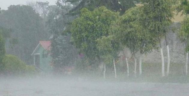La Comisión Nacional del Agua y el Servicio Meteorológico Nacional exhortan a la población a mantenerse informada sobre las condiciones meteorológicas