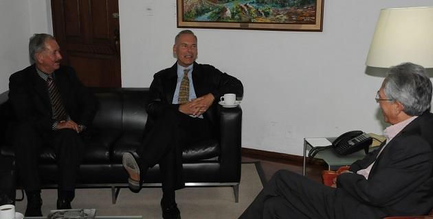En la reunión también estuvo presente Eduardo Velázquez Albor, asesor del Congreso del Estado y vínculo del Legislativo en los proyectos de inversión con capital de origen chino