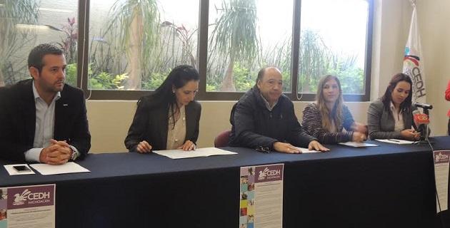 Las bases de la Convocatoria se pueden consultar en la página oficial www.cedhmichoacan.org, para mayores informes se pueden comunicar al 1 13 3 5 00 ext. 106