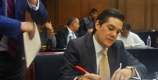 Para Orihuela Estefan, los legisladores que votaron a favor y lograron la aprobación del Decreto 22 lo hicieron con responsabilidad