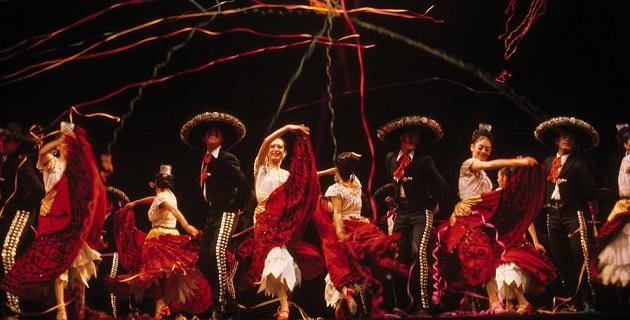 Dentro del mismo programa, el 14 de diciembre se presentará la Orquesta Carlos Chávez, a las 19:00 horas y se podrá disfrutar del Nacimiento Viviente La Historia más bella jamás contada