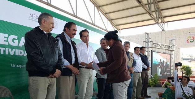 En gira de trabajo por la entidad, inauguró, con la representación del titular de la SAGARPA, Enrique Martínez y Martínez, el Séptimo Congreso Nacional del Sistema Producto Aguacate