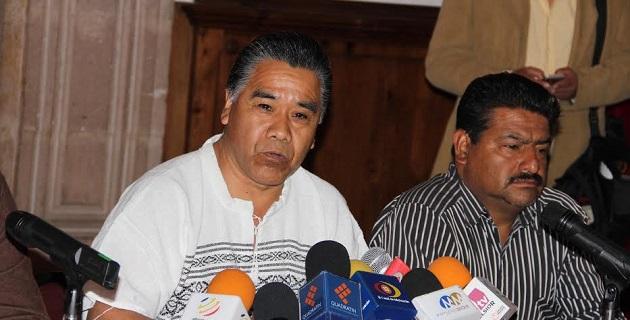 Respecto a la propuesta del Ejecutivo Federal para establecer un mando único policíaco en el país, informó Aparicio Tercero que las comunidades indígenas solicitan el respeto al papel que tienen las rondas comunitarias