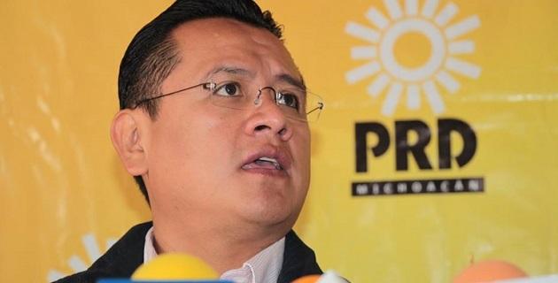 México enfrenta la más profunda crisis en materia de derechos humanos y la descomposición política en el estado, dijo Flores Anguiano