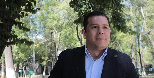Con la habilitación de espacios para transitar a pie por la ciudad se pueden combatir problemas de salud, como la obesidad, señaló Barragán Vélez