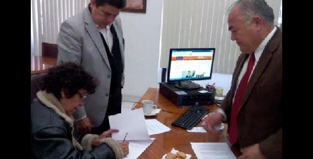 Por instrucciones del secretario de Gobierno, Jaime Darío Oseguera, se logró mediante el diálogo evitar que radicalizara sus acciones de protesta y desistiera de poner en riesgo su salud al privarse de alimentos