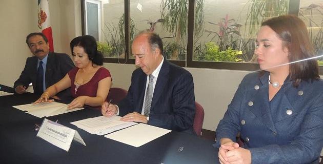En su mensaje el presidente de la CEDH, expresó que en Michoacán se requiere educar para la paz, porque solo de esa manera se podrá aspirar a contar con una sociedad más solidaria y justa