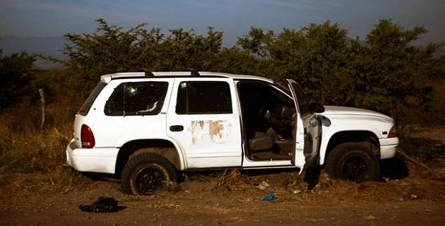 Alfredo Castillo afirmó que aunque ya concluyeron las necropsias de los 11 cuerpos, aún no se puede determinar qué bando inició el ataque, si el de Simón El Americano o el de Hipólito Mora (FOTO: CUARTOSCURO)