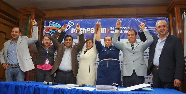 Luisa María Calderón, agradeció la generosidad y presencia en el evento del senador Salvador Vega y del consejero nacional Marko Cortés