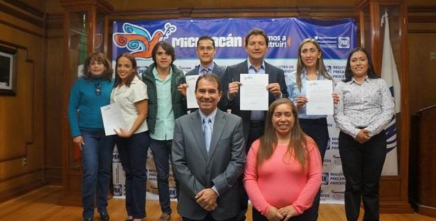 En su momento, los ahora precandidatos a diputados por Morelia refrendaron su pleno respeto y cabal cumplimiento tanto a las leyes electorales como a las disposiciones internas partidistas que marque la normativa establecida