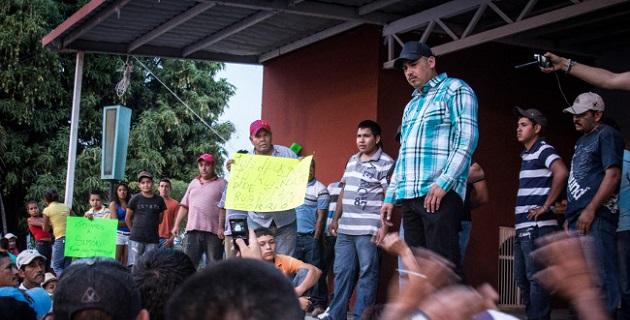 """Este lunes 29 de diciembre, habitantes de la región de La Ruana viven el cuarto día de bloqueos supuestamente realizados por seguidores de """"El Americano"""", para evitar su detención"""