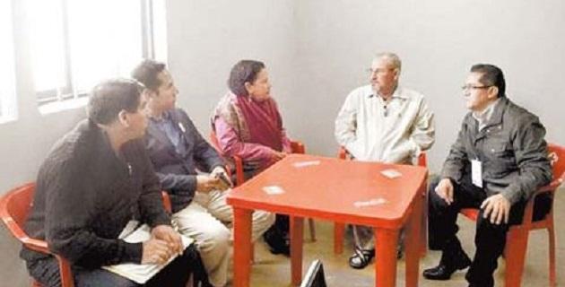 El abogado defensor de Hipólito Mora y 26 ex miembros de la Fuerza Rural de Michoacán concedió una entrevista radiofónica al periodista Manuel Feregrino, de Grupo Fórmula