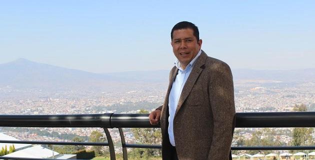 El abogado nicolaita deseó a los morelianos que pasen un año nuevo en paz y tranquilidad, y que sus propósitos del 2015 se logren con gran satisfacción