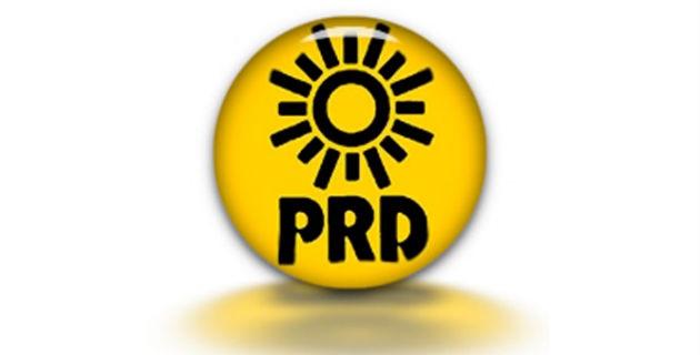 Ayer los aspirantes de las planillas para elegir regidores en el proceso interno del PRD en Lázaro Cárdenas acusaron a los integrantes del Comité Electoral del partido del sol azteca de no transparentar el proceso interno al dejarlos fuera