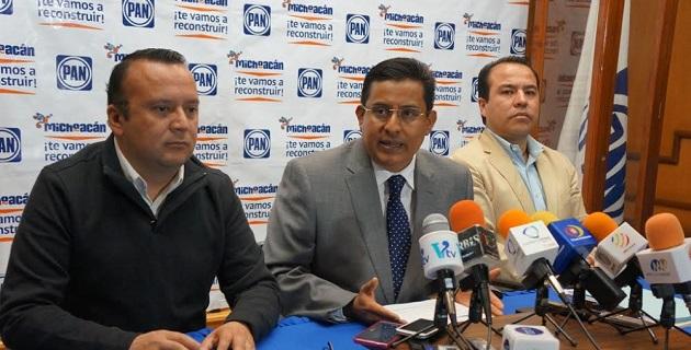"""""""En el PAN nos preocupa el naufragio de la administración estatal porque observamos que no tiene rumbo y si lo tiene, nosotros al igual que el resto de los michoacanos, no sabemos cuál es"""": Chávez Zavala"""