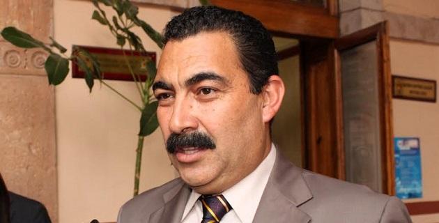 Naranjo Blanco recordó que desde los años ochentas Calderón Hinojosa ha recorrido de lado a lado la entidad, y la cercanía que mantiene con la gente es su principal fortaleza
