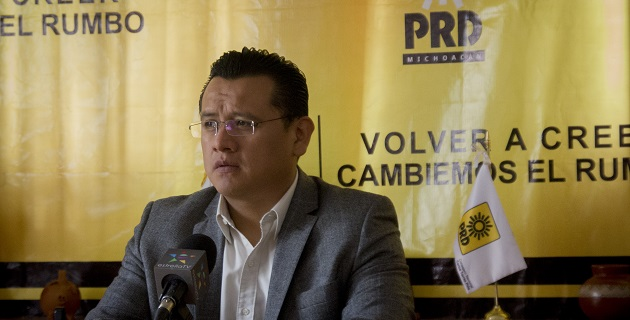 El PRD, indicó Carlos Torres Piña, trabaja en la construcción de un amplio frente con los ciudadanos para cumplir con los objetivos estratégicos en el estado que son el regreso de la paz social, la justicia, y la inversión pública