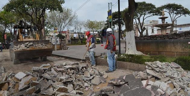 Con una inversión federal de 13 millones de pesos, el Ayuntamiento de Morelia comenzó los trabajos de mejoramiento de la imagen urbana de la plaza Carrillo y su entorno