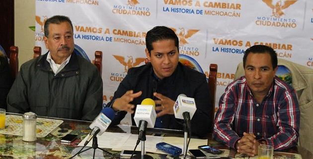 Daniel Moncada, exhortó al jefe del Poder Ejecutivo estatal, a dejar los viajes de placer y que se dedique a realizar giras de trabajo redituables para la apertura del mercado michoacano
