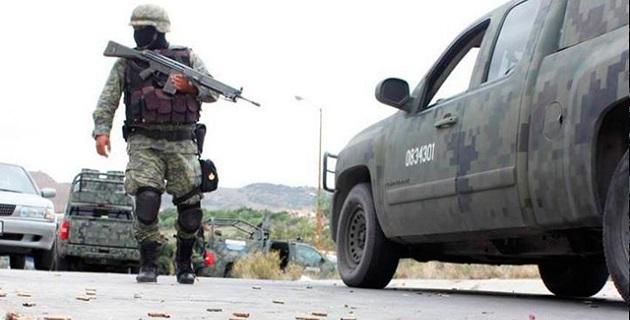 De acuerdo con los primeros reportes, tras el intercambio de disparos se logró la detención de una persona que se identificó como Julio S., así como el aseguramiento de dos camionetas, una de ellas blindada