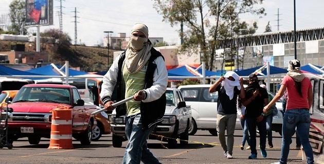 Esta fue la respuesta de los jóvenes a los hechos violentos ocurridos ayer martes en el estado de Guerrero, donde cientos de estudiantes fueron detenidos