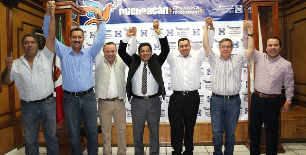 Chávez Zavala reconoció a sus próximos candidatos por su capacidad y gran coraje por sacar adelante a la región de Tierra Caliente, características que el blanquiazul se ha asegurado que posean todos sus candidatos