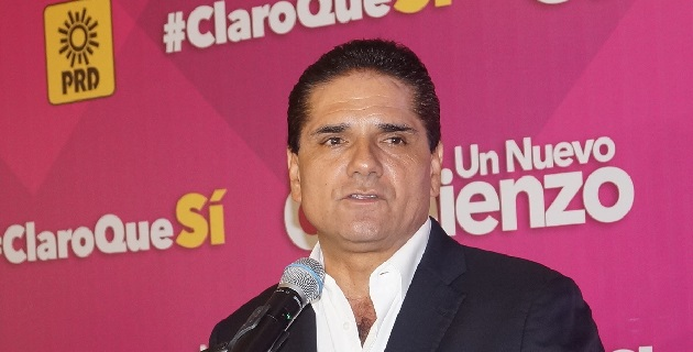 Posteriormente, en rueda de prensa, Aureoles Conejo destacó el entusiasmo con el cual ha sido recibido a lo largo de su campaña en diferentes poblaciones del estado de Michoacán