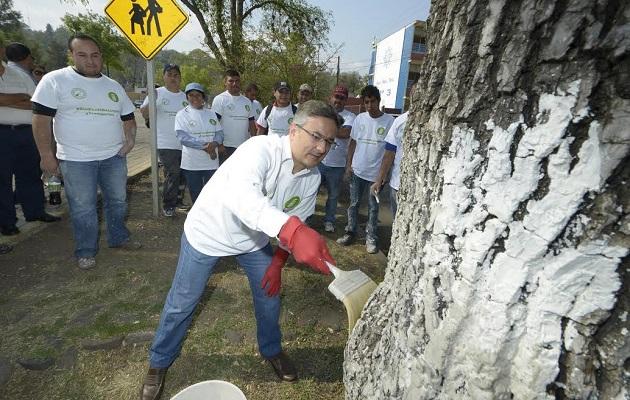 A esta actividad también se sumaron el secretario de servicios públicos municipales, Iván Rodríguez; el director de aseo Público, Paulino Velázquez, y el secretario general del Sindicato de Limpia, Marco Antonio Solórzano