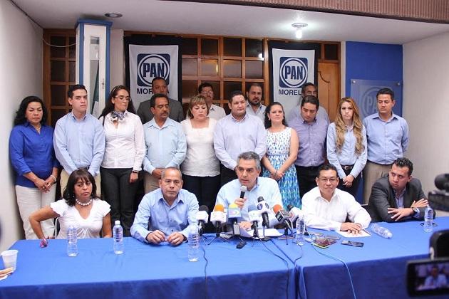 Ignacio Alvarado estuvo acompañado por el presidente del Comité Municipal del PAN, Juan José Ocampo Zizumbo, Javier Mora Martínez, representante del PAN ante el IEM, así como Julio César González Jiménez, candidato a Síndico