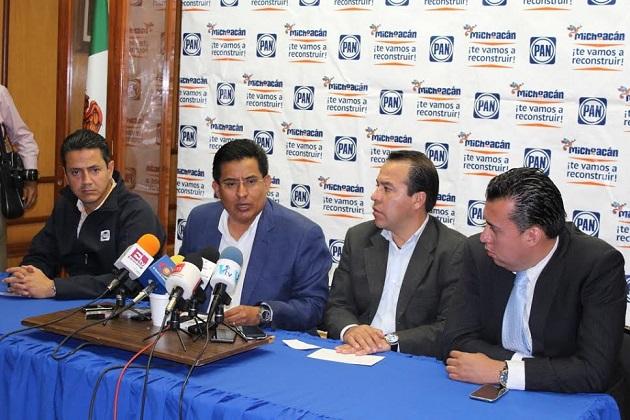 El jefe del panismo michoacano indicó que esto constituye un fuerte llamado de atención a las autoridades, toda vez que bajo esta tónica está latente el riesgo de que en dicho territorio se confisquen los vehículos de los partidos políticos