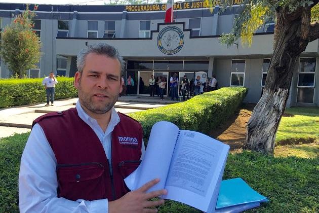 En conferencia de prensa, Ramírez Bedolla, aseguró que en 2011 ya había denunciado ante la Auditoria Superior de Michoacán esta serie de irregularidades