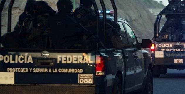 La Policía Federal localizó en el municipio de Peribán, Michoacán, una fosa con tambos llenos de droga sintética, la cual fue valuada en 30 millones de dólares