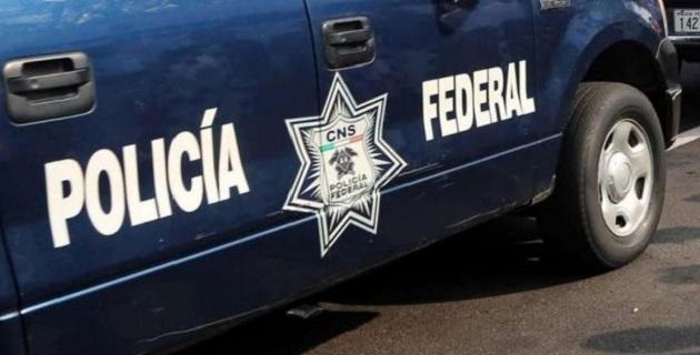 Los oficiales de la PF pidieron la intervención de un agente del Ministerio Público Federal (MPF), quien acudió al sitio acompañado por especialistas, los cuales tomaron muestras del producto para su posterior análisis