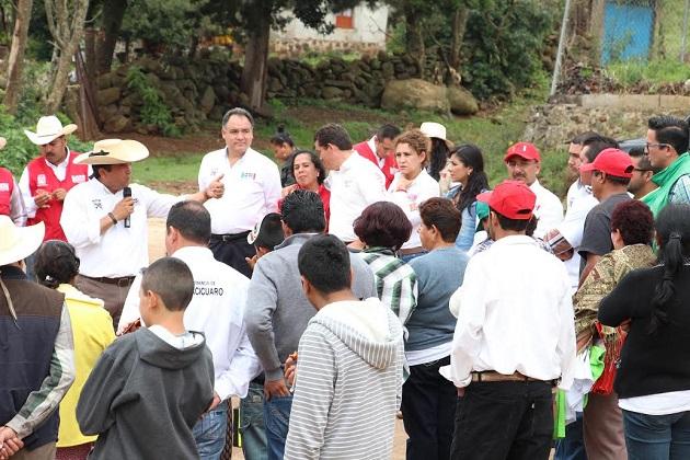 Oseguera Méndez compromete importantes acciones en la zona rural de la capital del estado