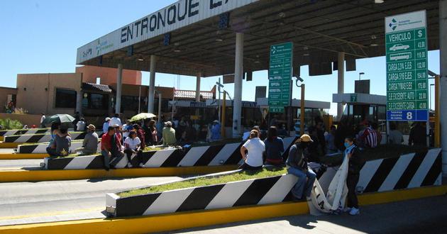 Presuntos estudiantes de escuelas normales de Michoacán siguen haciendo de las suyas ante la pasividad de autoridades
