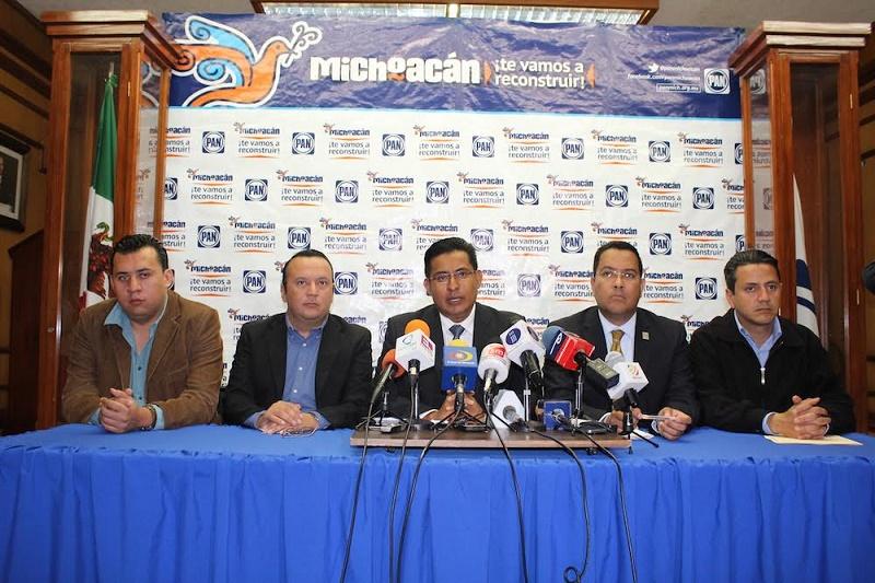 Chávez Zavala compartió que en este encuentro se refrendó que con sus 6 diputados locales, Acción Nacional hará valer el contrapeso de una oposición responsable en el Congreso del Estado