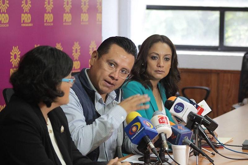 Preocupan los recientes hechos de violencia en la Tierra Caliente y los municipios colindantes con el estado de Jalisco, admitió Torres Piña