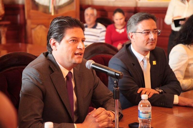 Por su parte, el alcalde, Salvador Abud, subrayó que el Ayuntamiento proporcionará la información que se requiera y destacó que no se heredarán cuentas pendientes en ninguna área municipal