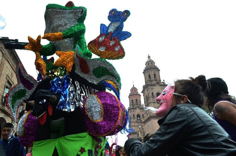 Los participantes pueden registrar sus toritos en las instalaciones de la Secretaría de Turismo, ubicadas en la calle Benito Juárez 178 colonia centro en la Dirección de Cultura