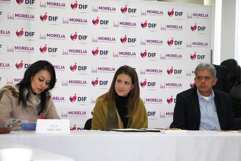 Paola Delgadillo, resaltó la disposición y voluntad del Ayuntamiento de Morelia y en particular del DIF municipal, por trabajar de la mano de los ciudadanos y de las instituciones educativas
