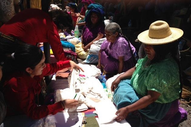 Se ha entregado más de un millón de pesos en premios a las y los artesanos ganadores de los concursos