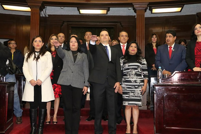 En próximos días la Junta de Coordinación Política integrada por los Coordinadores de los diversos Grupos Parlamentarios, se reunirá con el fin de acordar la incorporación de los nuevos legisladores a las comisiones de dictamen y comités