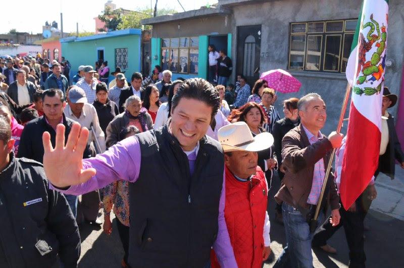 El presidente municipal de Morelia encabezó el Acto Cívico y el Desfile en la colonia