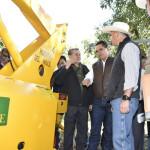 En gira de trabajo, el mandatario estatal y el secretario de SAGARPA, visitaron Huerta del Valle en Uruapan, donde observaron el proceso de corte de aguacate