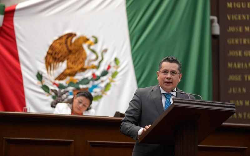 El diputado Eduardo García Chavira recordó que la bancada albiceleste presentó una propuesta de ley para transparentar el uso y destino del dinero de los michoacanos
