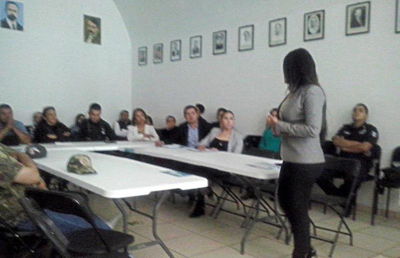 Al evento realizado en la presidencia municipal de Tanhuato asistieron 50 personas, entre ellas funcionarios, abogados litigantes, estudiantes y profesores