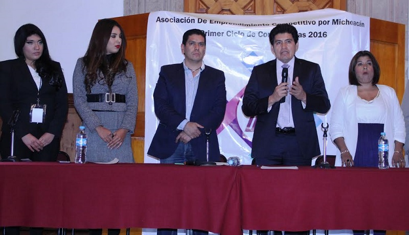 """Cabe destacar que el evento contó con la ponencia de la licenciada en Derecho Alicia Olguín Licona con el tema """"Violencia de Género"""""""