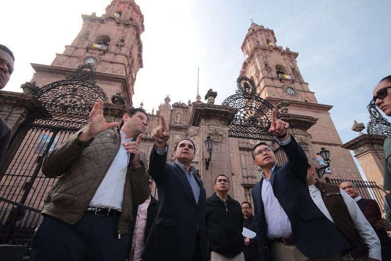 Aureoles Conejo manifestó que también se tiene plena comunicación y coordinación con las autoridades de los estados vecinos ante cualquier incidente que se llegara a presentar y están debidamente blindadas las fronteras de Michoacán