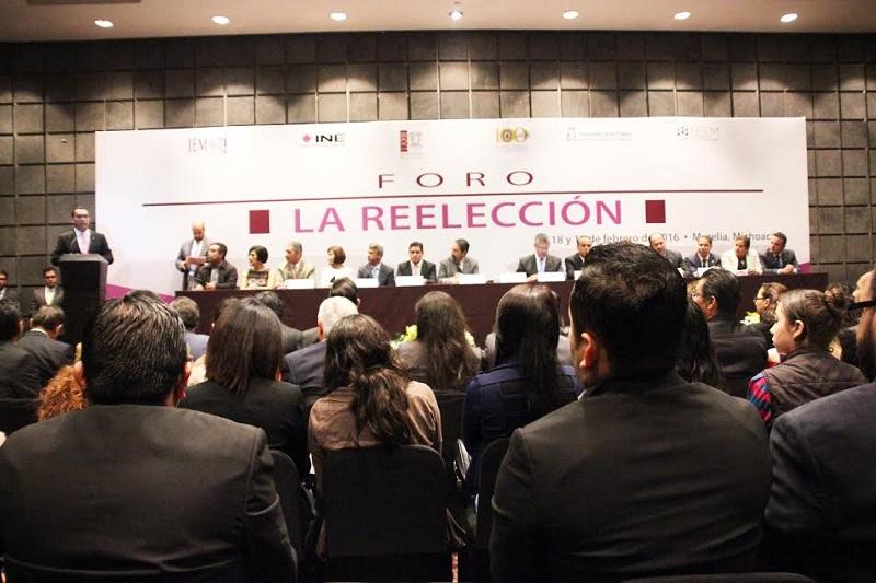 Durante esta jornada, como parte del Foro se realizaron conferencias magistrales de Lorenzo Córdova Vianello y Arturo Sánchez Gutiérrez, consejeros del INE